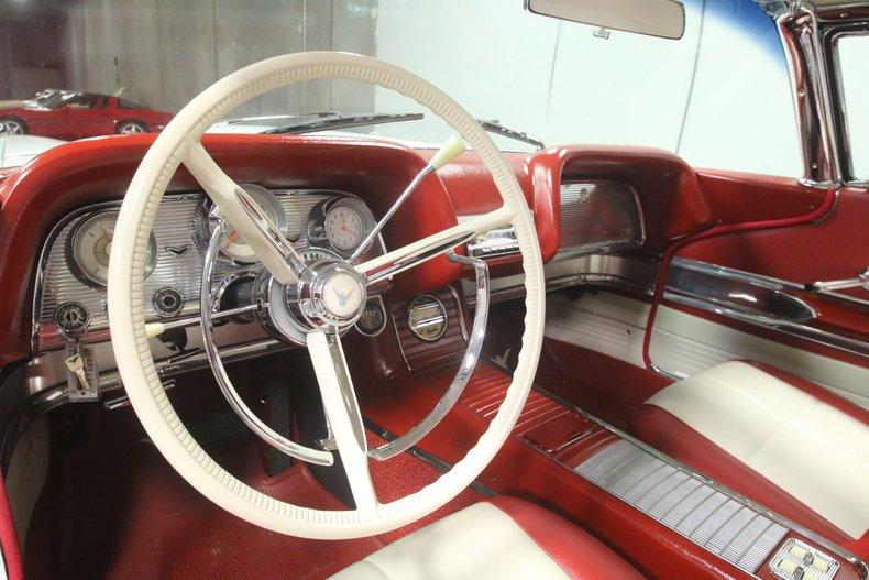 1960 Ford Thunderbird 44