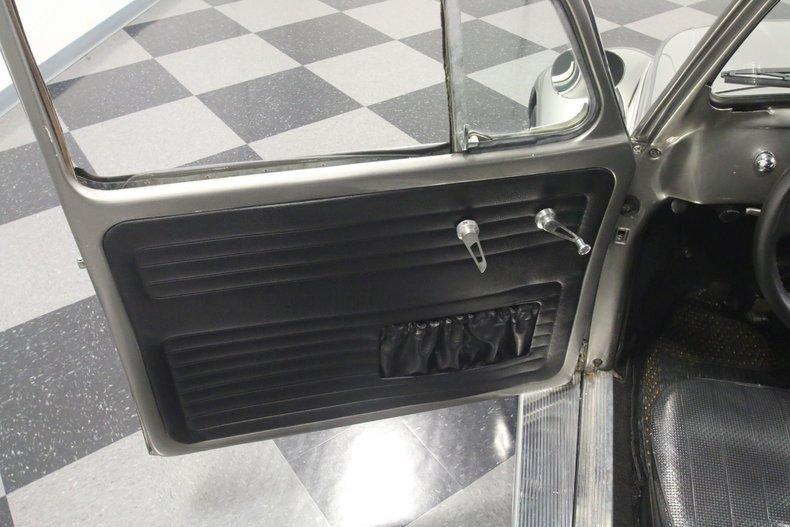 1965 Volkswagen Beetle 43