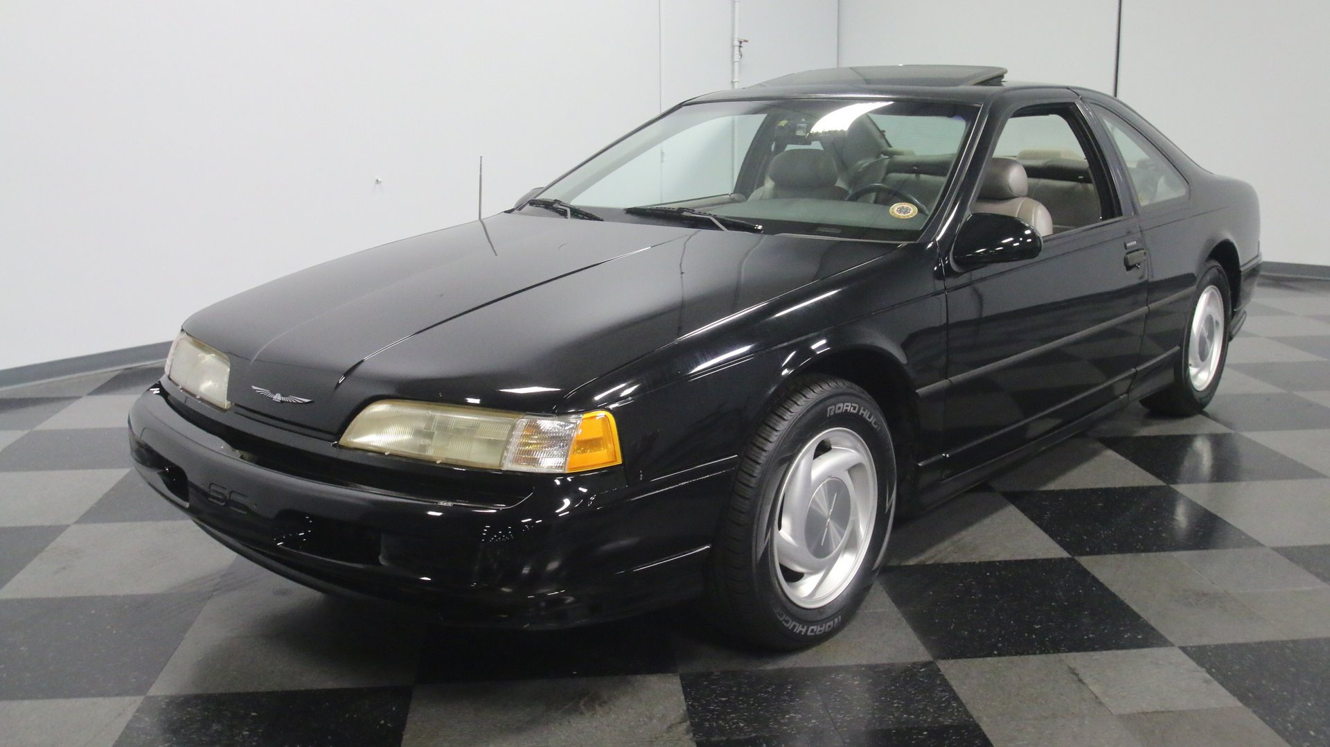 1991 Ford Thunderbird Streetside Classics The Nation S Trusted