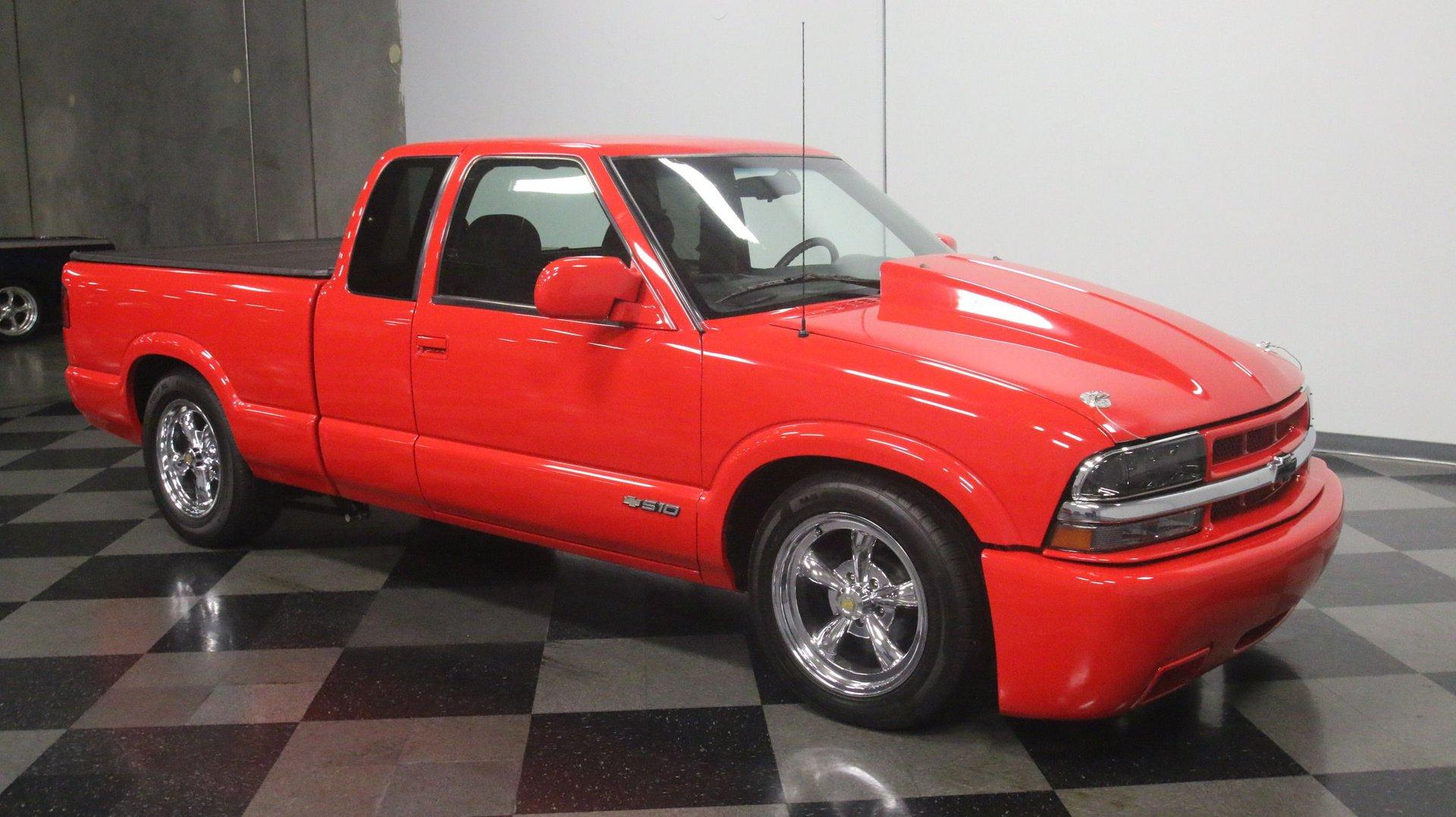 2000 Chevrolet S-10 | Streetside Classics - The Nation's