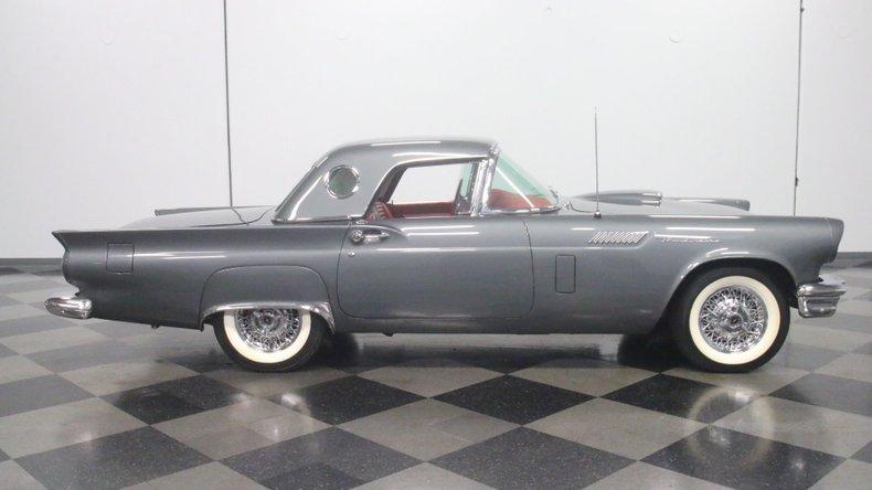 1957 Ford Thunderbird 15