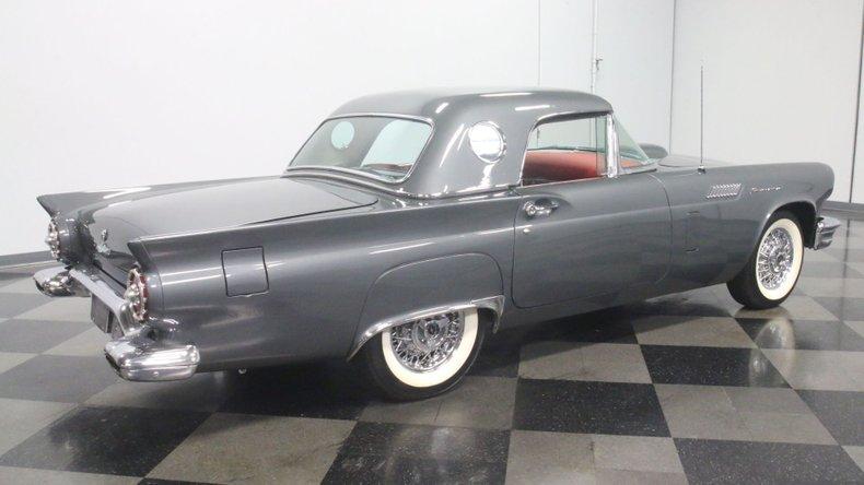 1957 Ford Thunderbird 14