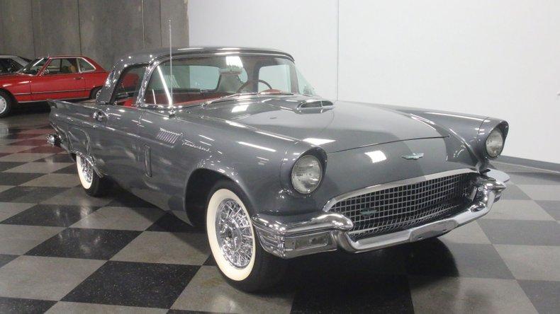 1957 Ford Thunderbird 17