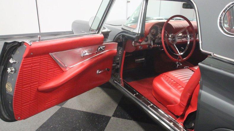 1957 Ford Thunderbird 41
