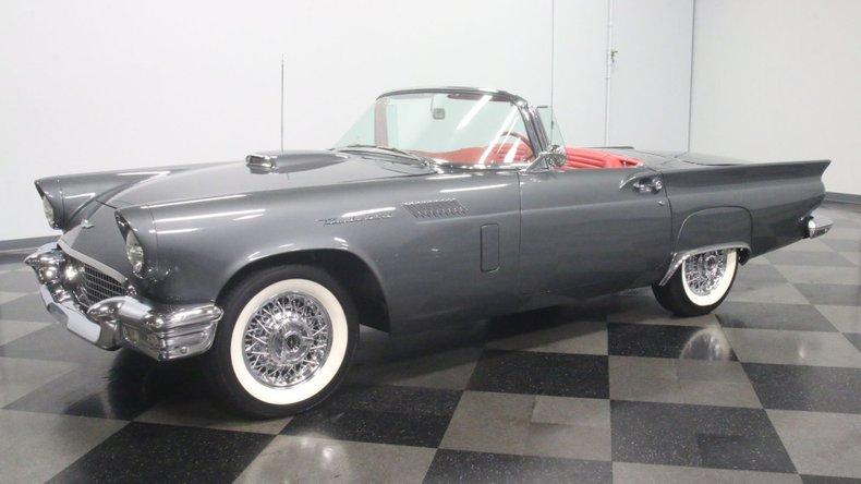 1957 Ford Thunderbird 6