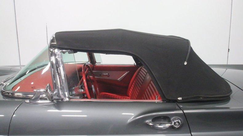 1957 Ford Thunderbird 70