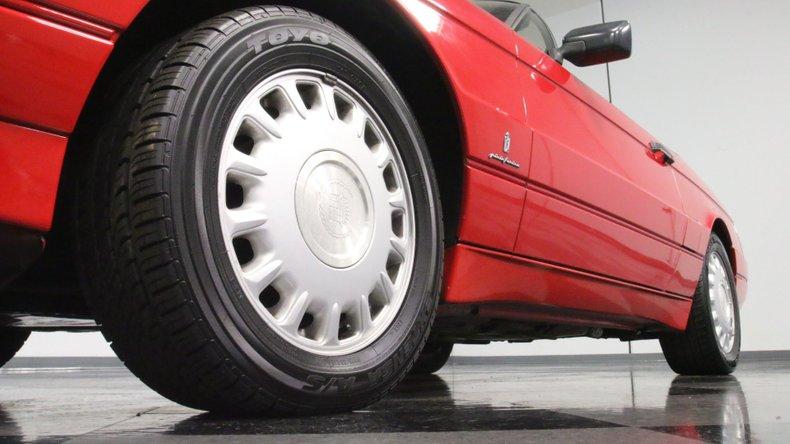 1992 Cadillac Allante 23