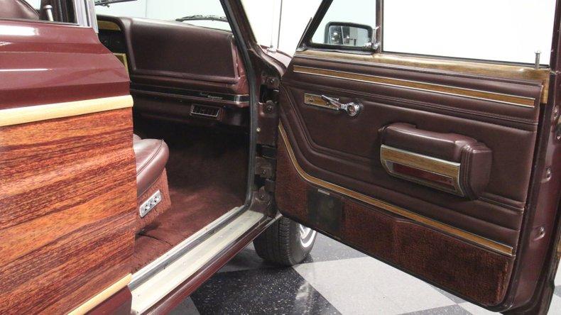 1987 Jeep Grand Wagoneer 63