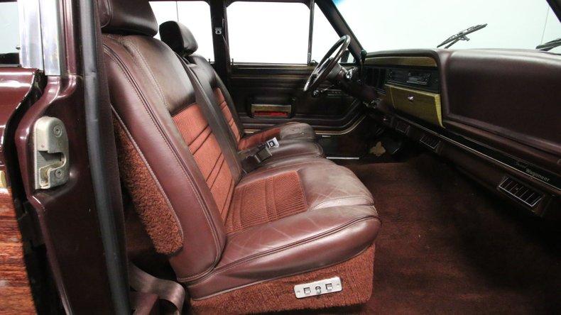 1987 Jeep Grand Wagoneer 56