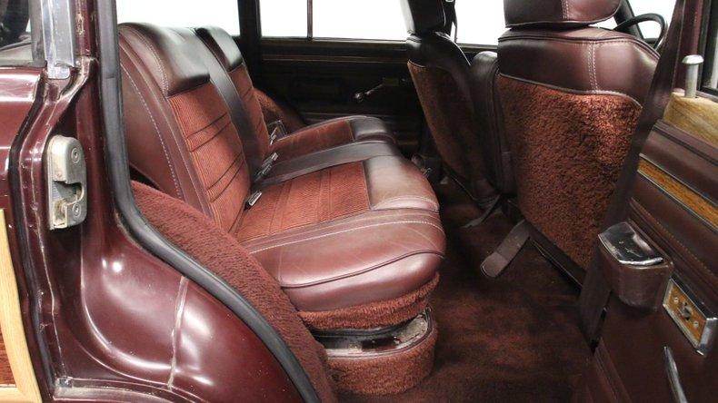 1987 Jeep Grand Wagoneer 54