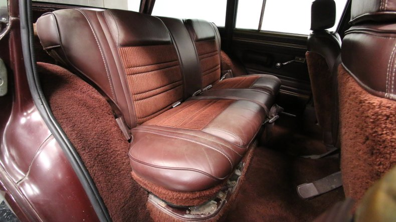 1987 Jeep Grand Wagoneer 53