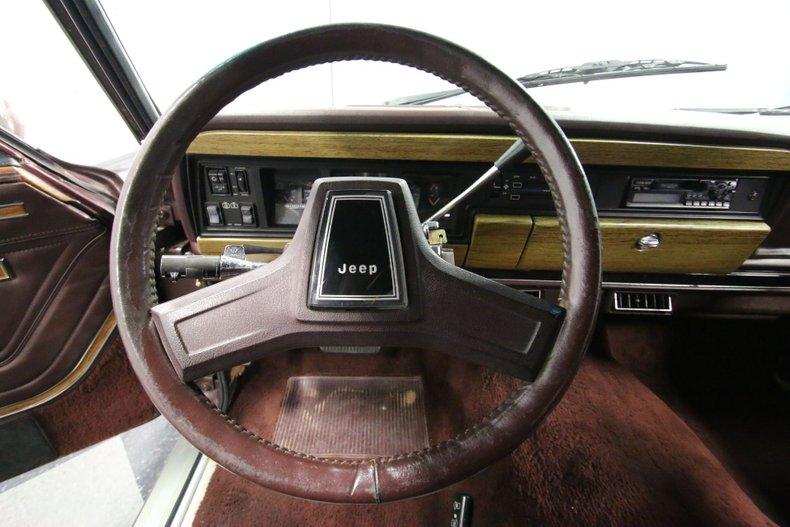 1987 Jeep Grand Wagoneer 43
