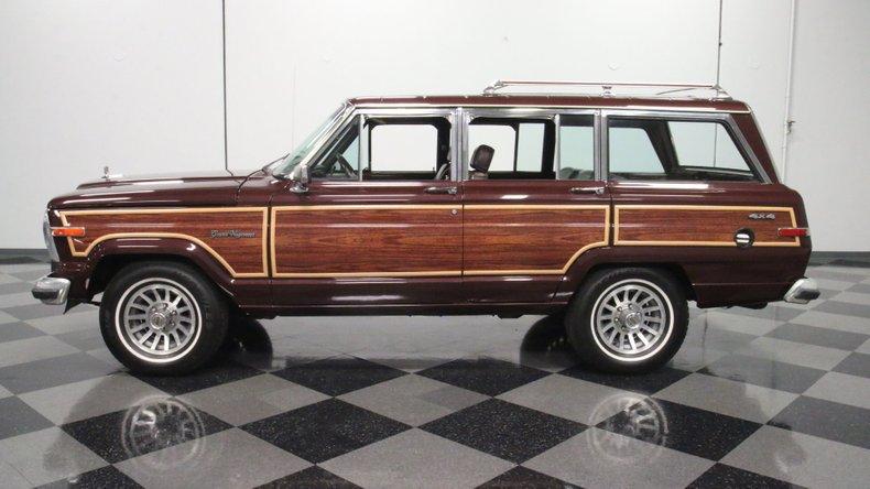 1987 Jeep Grand Wagoneer 7