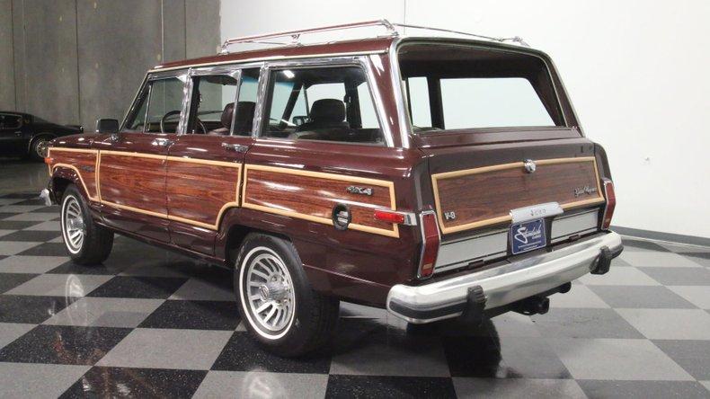 1987 Jeep Grand Wagoneer 9