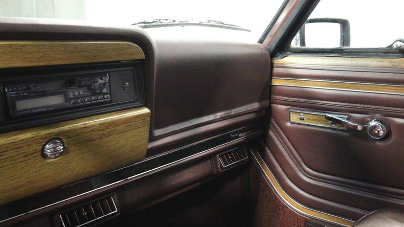 1987 Jeep Grand Wagoneer 46