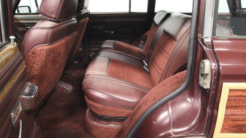 1987 Jeep Grand Wagoneer 51