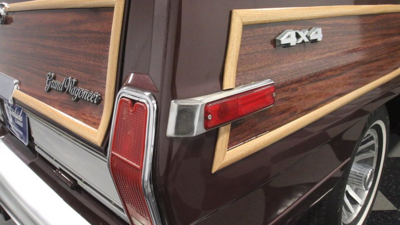 1987 Jeep Grand Wagoneer 81