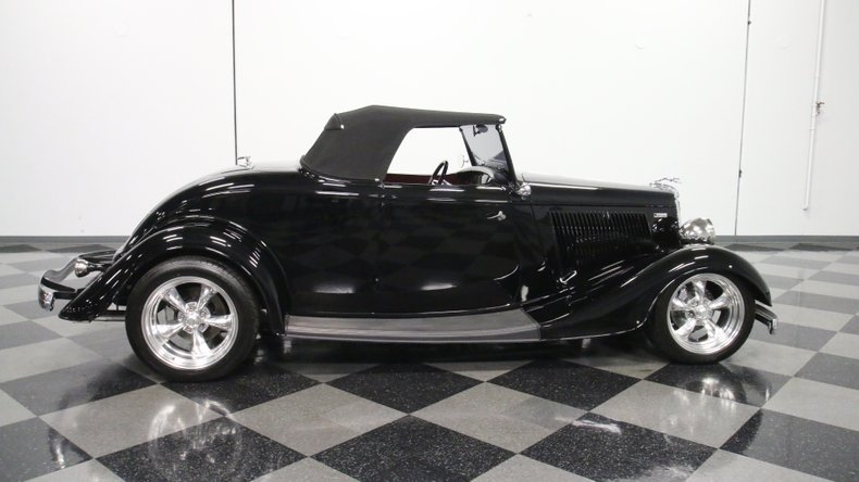 1934 Ford Roadster 15