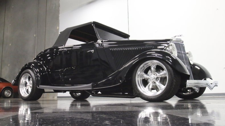 1934 Ford Roadster 33