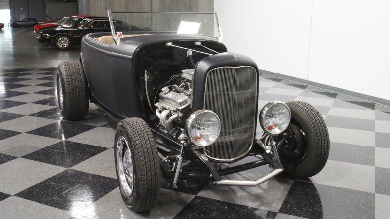 1932 Ford Highboy 18