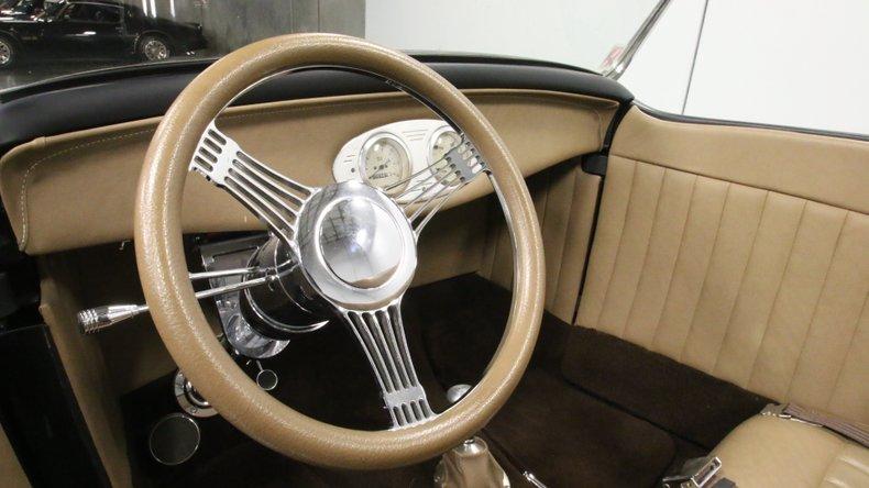 1932 Ford Highboy 38