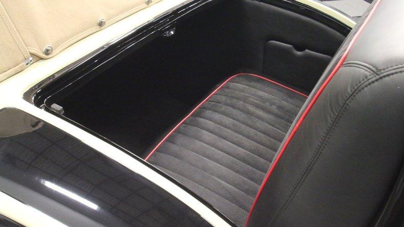 1933 Chrysler Imperial 38