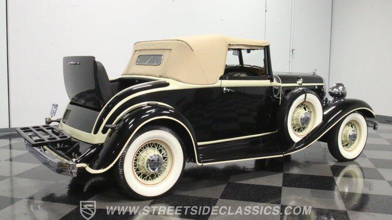 1933 Chrysler Imperial 37