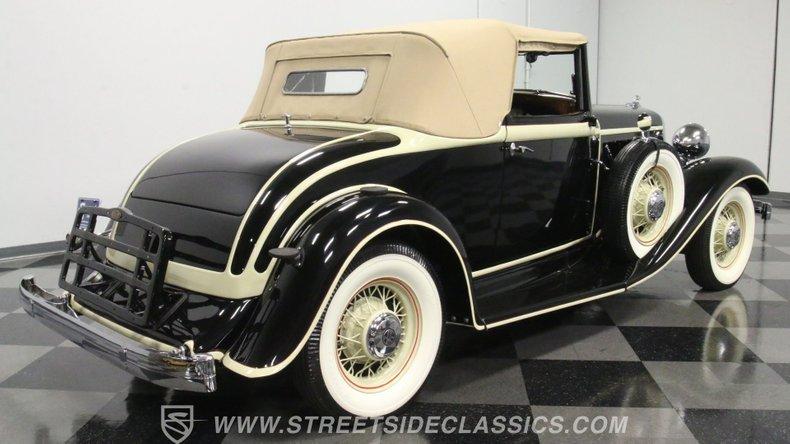 1933 Chrysler Imperial 14