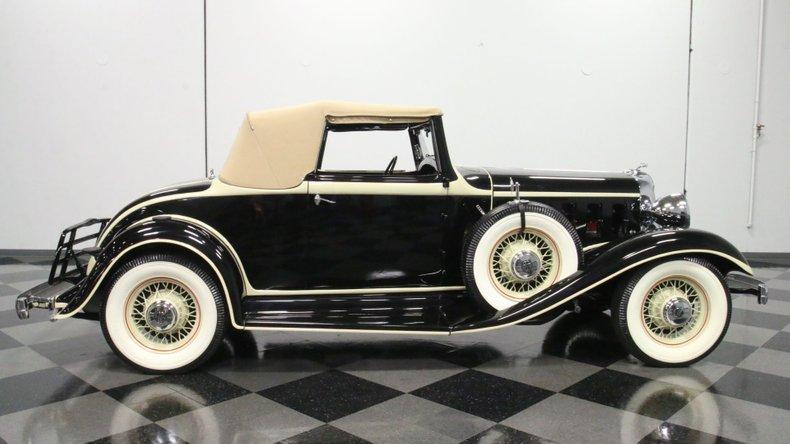 1933 Chrysler Imperial 15