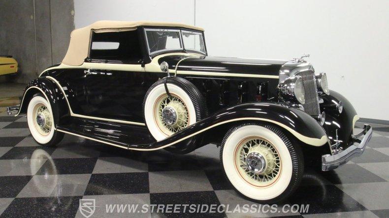 1933 Chrysler Imperial 16