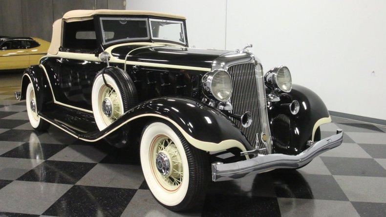 1933 Chrysler Imperial 17