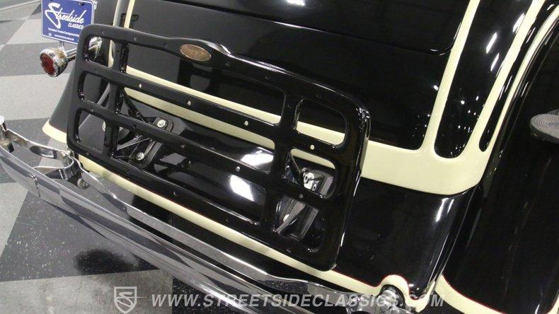 1933 Chrysler Imperial 28