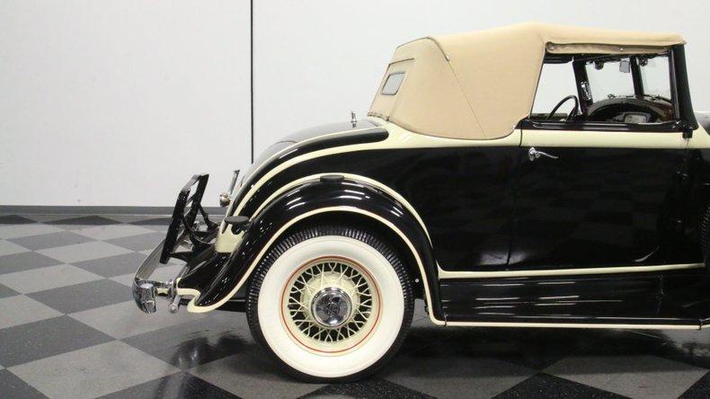 1933 Chrysler Imperial 31
