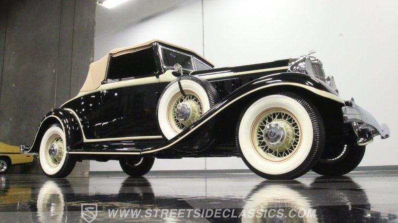 1933 Chrysler Imperial 33
