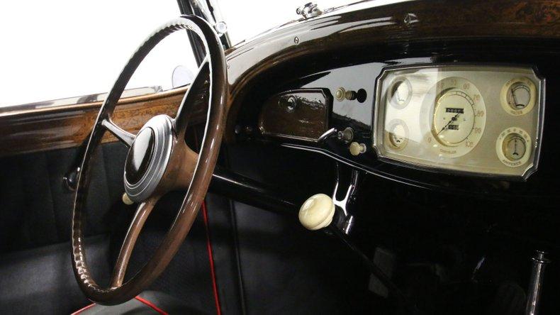 1933 Chrysler Imperial 53