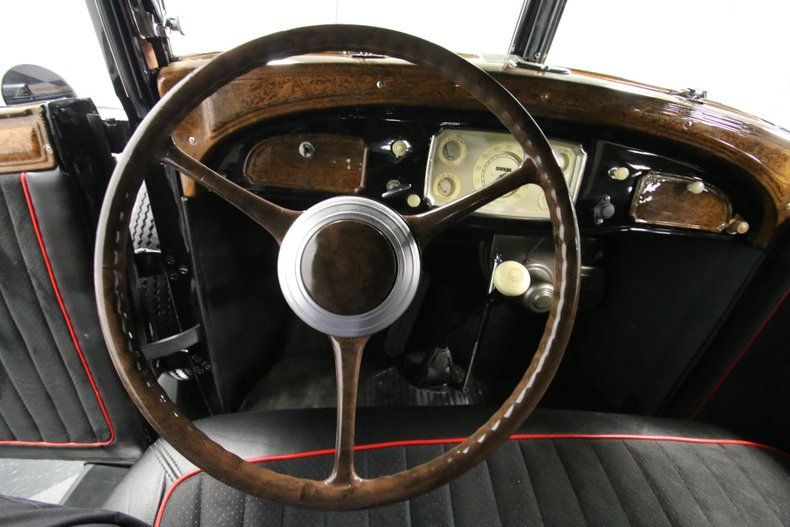 1933 Chrysler Imperial 45
