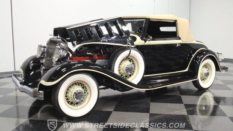 1933 Chrysler Imperial 34