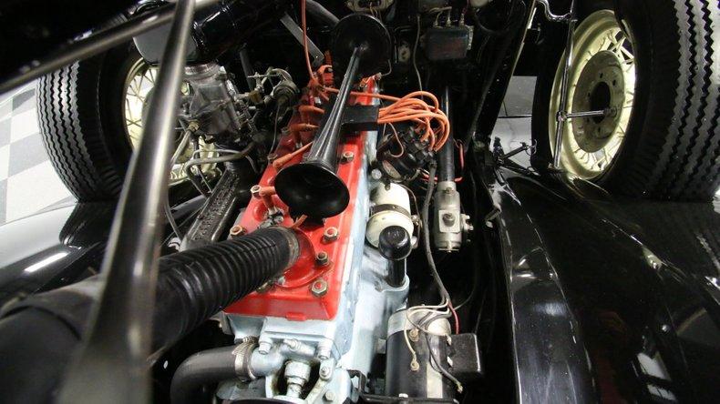1933 Chrysler Imperial 3