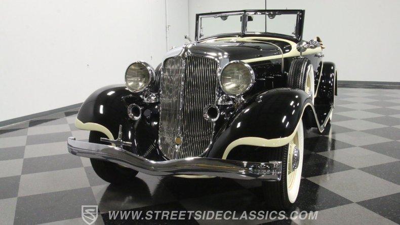1933 Chrysler Imperial 20
