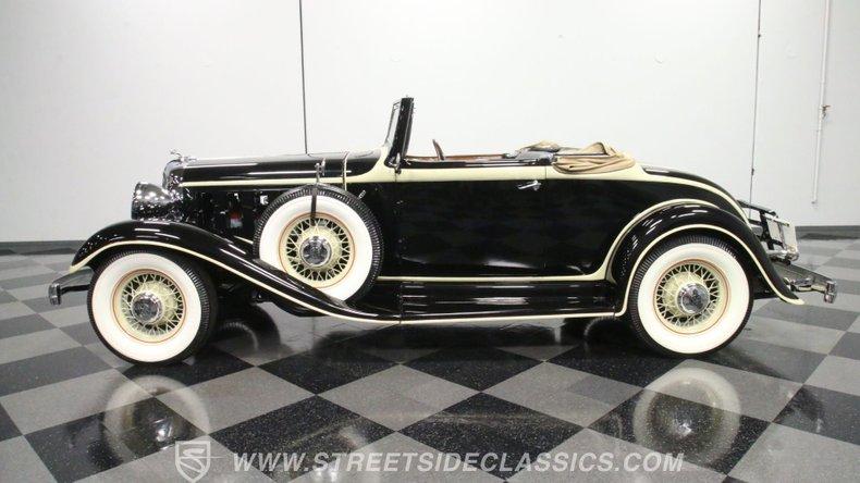 1933 Chrysler Imperial 7