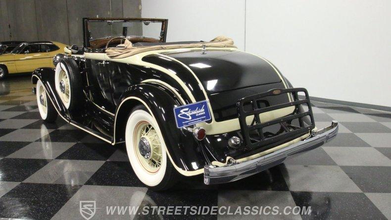 1933 Chrysler Imperial 9