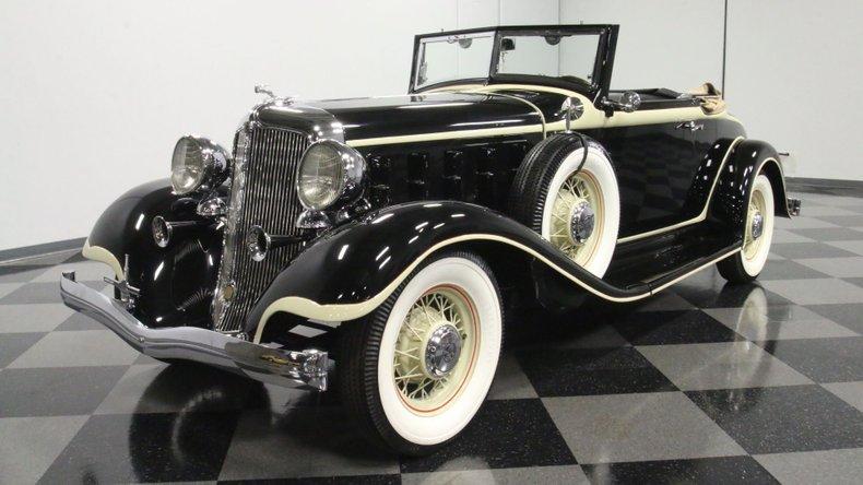 1933 Chrysler Imperial 21
