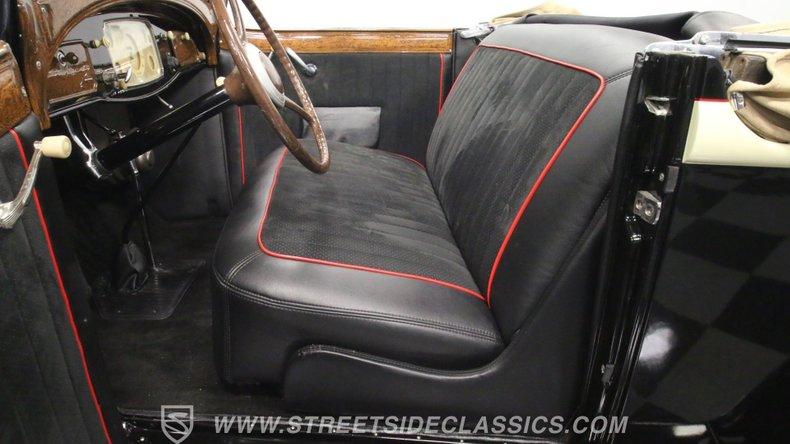 1933 Chrysler Imperial 4