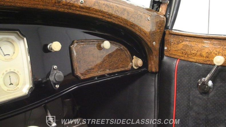 1933 Chrysler Imperial 47