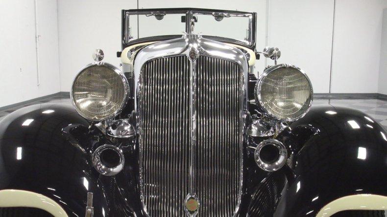 1933 Chrysler Imperial 67
