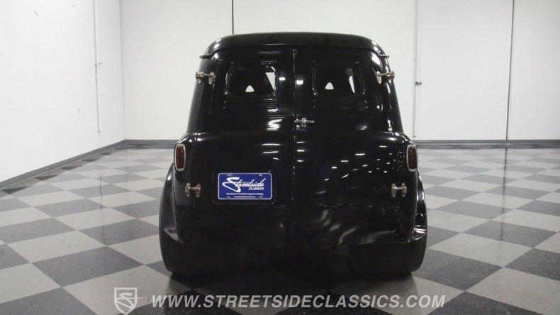 1951 Ford Anglia 11