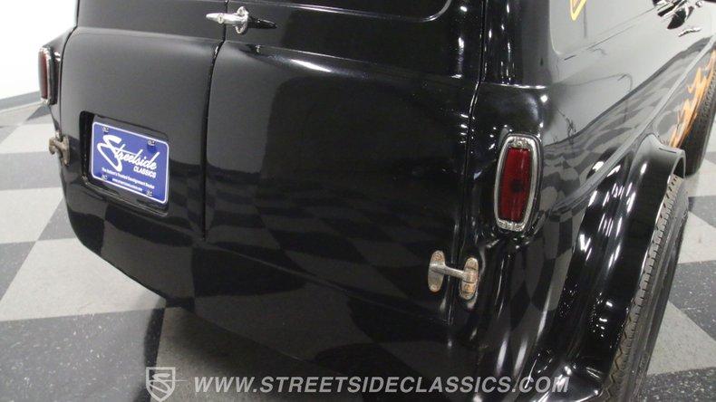 1951 Ford Anglia 28