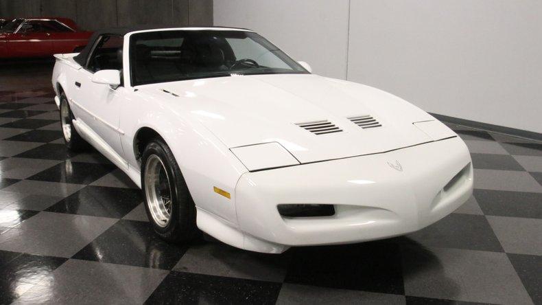 1992 Pontiac Firebird 17