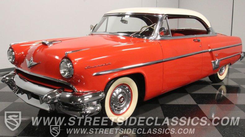 1954 Lincoln Capri 1
