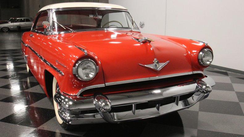 1954 Lincoln Capri 18